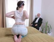 imagen Viejo ofrece dinero por sexo en la calle