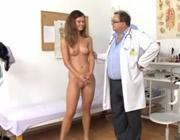 imagen Exploración completa en la consulta del doctor