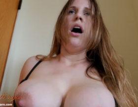 Se graba masturbándose en un probador