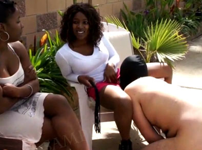 Negra y blanca follan con blanco porno Blanco Se Folla A Una Mujer Negra Xnxx Com