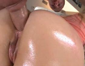 imagen Ardiente rubia con una verga enorme clavada en el culo