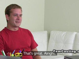 Chico cortado en casting porno