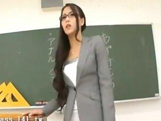 Profesora de sexo anal en Japón
