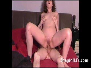 Casada disfrutando del sexo anal